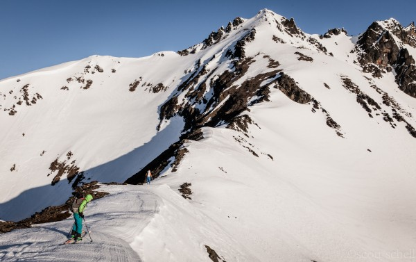 Ali Ritter and Chris Solomon inspecting a slope on the Chiwaukum Traverse. Washington.