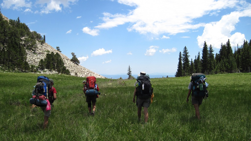 Scouts-hiking-near-Costilla-1024x575.jpg (1024×575)