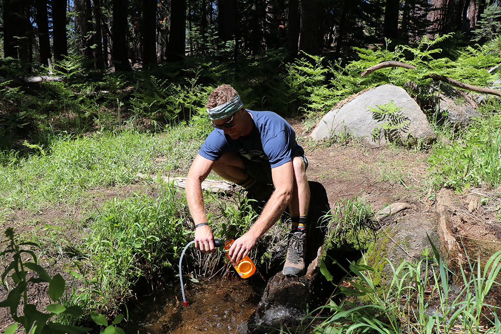 backcountry-water-treatment-with-microfilter