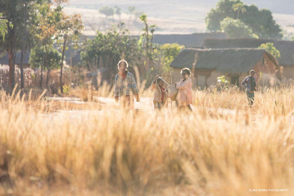 Summit-Register-Nina-Caprez-Tough-Enough-in-Madagascar-06