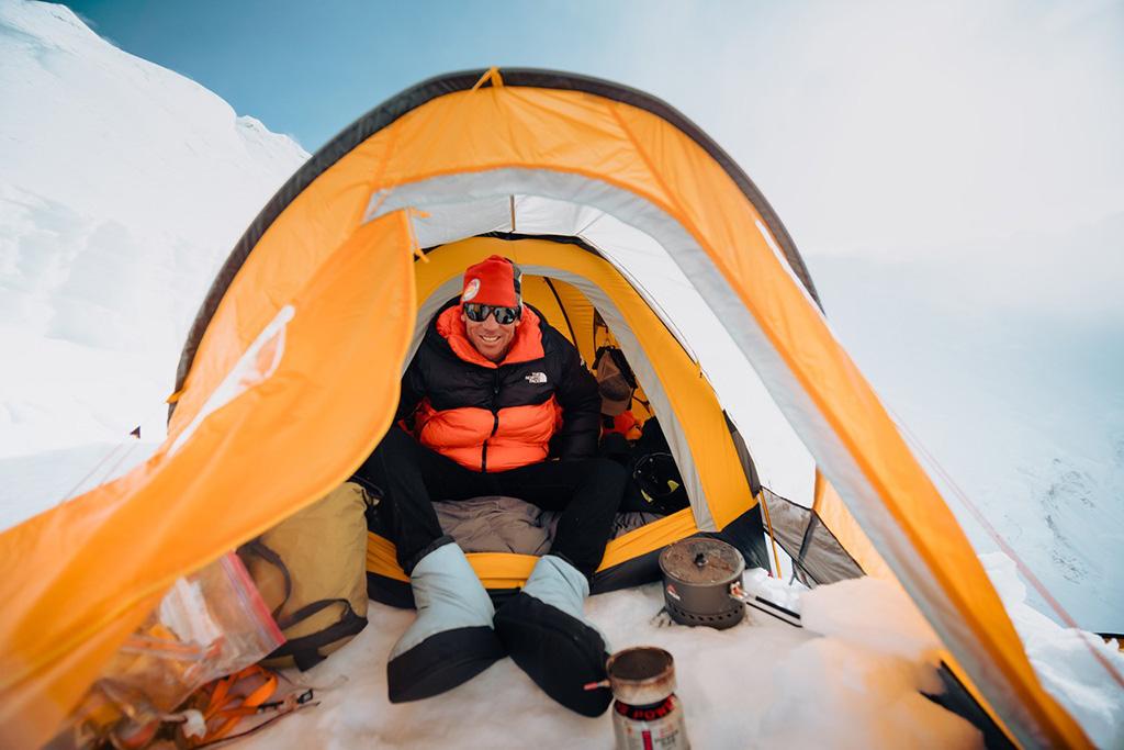 keeping warm in Lhotse-Dream-Line