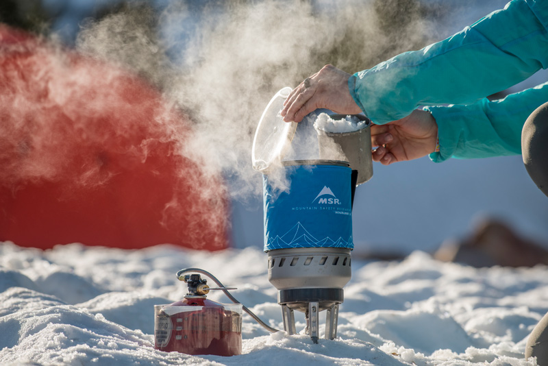 fuel-canister-warm-water-freezing-msr-blog