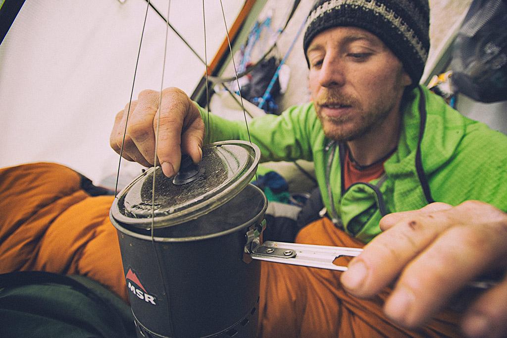making coffee while climbing
