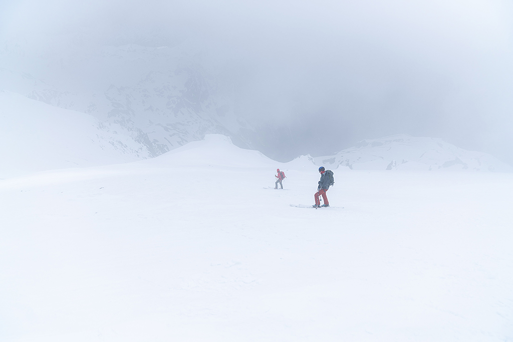 skiing Glacier Peak with low visibility