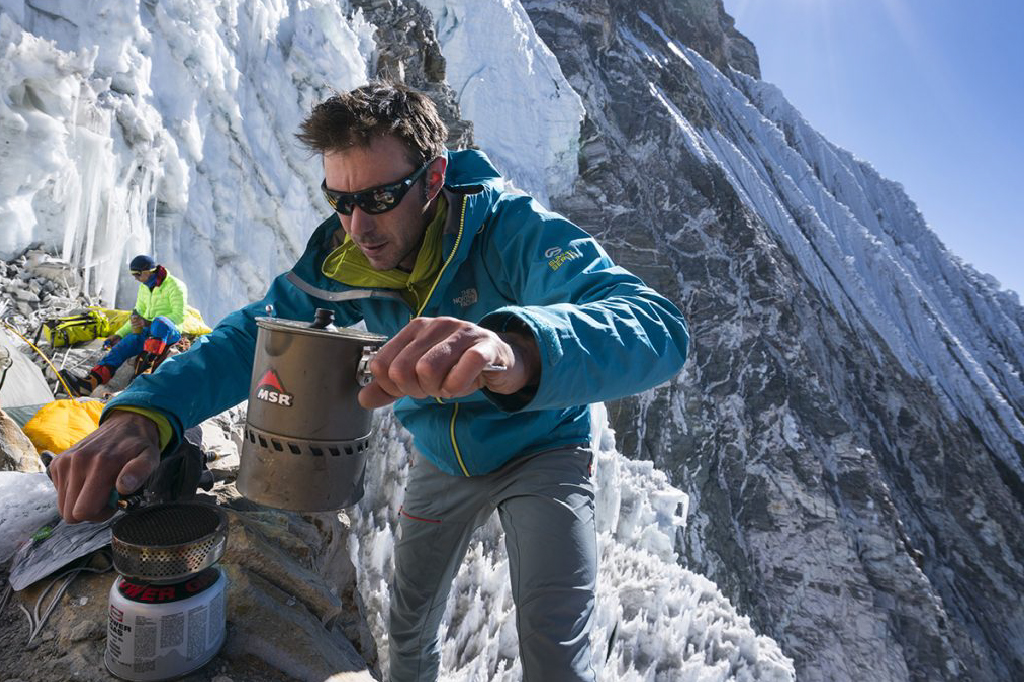 operating backpacking stove at high altitude