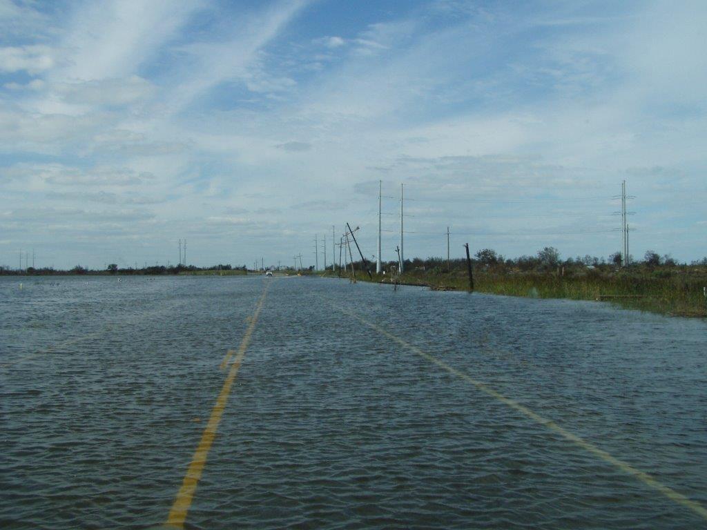 Eine überschwemmte Straße nach einem Hurrican.