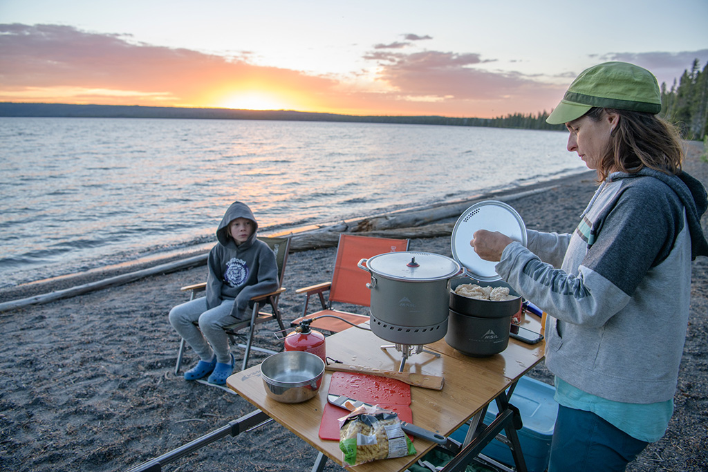 camp cooking on the beach