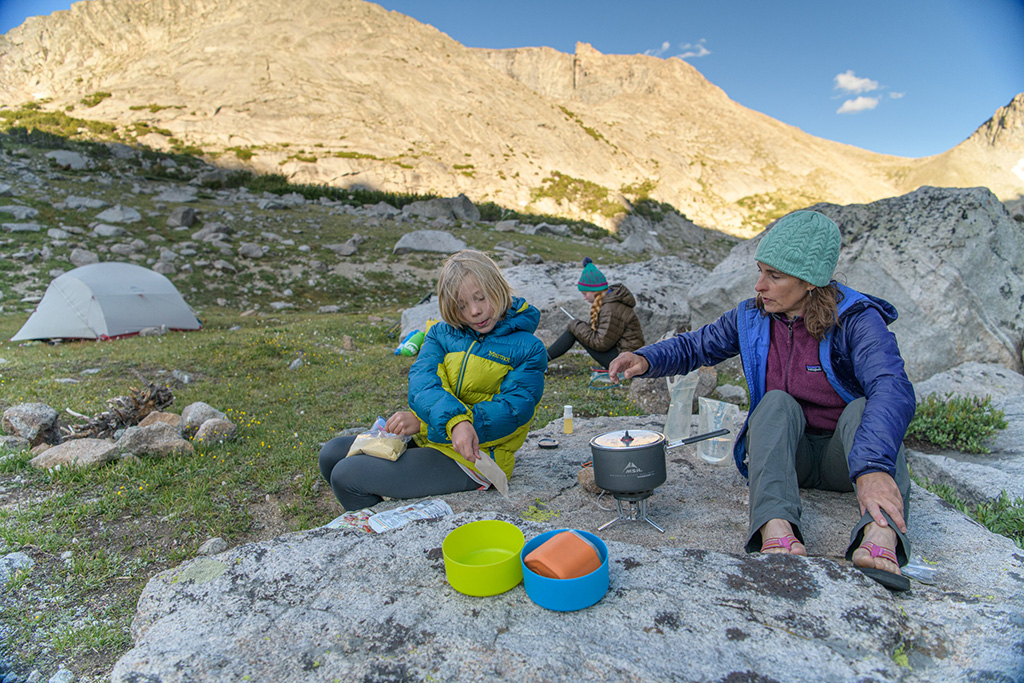 preparing easy camping meals for the family