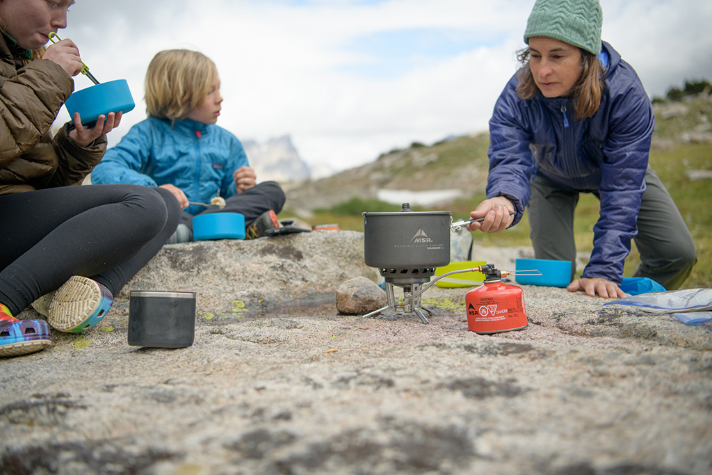 making easy camping meals for the family