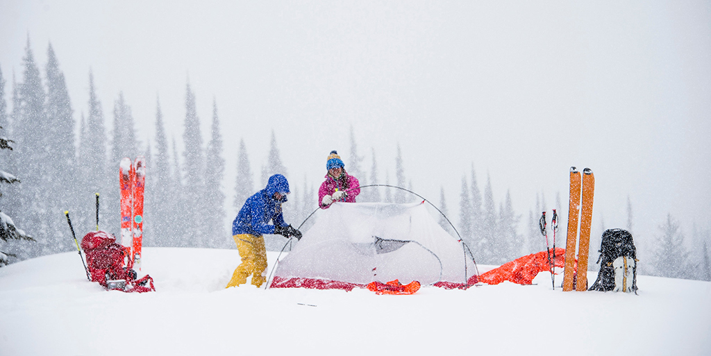 setting up 4 season tent in the snow