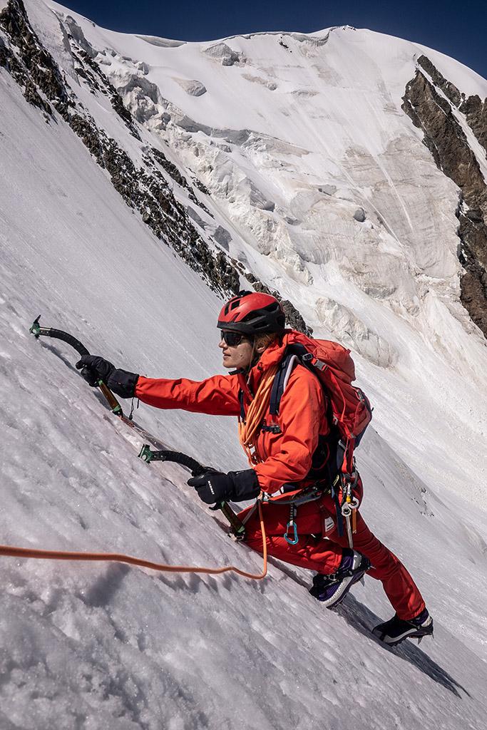 expert climbing