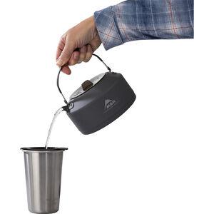 MSR Pika™ 1 L Teapot | Pour